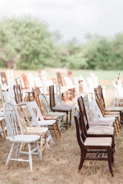 mismatched chairs for ceremony seating | Jennefer Wilson #wedding