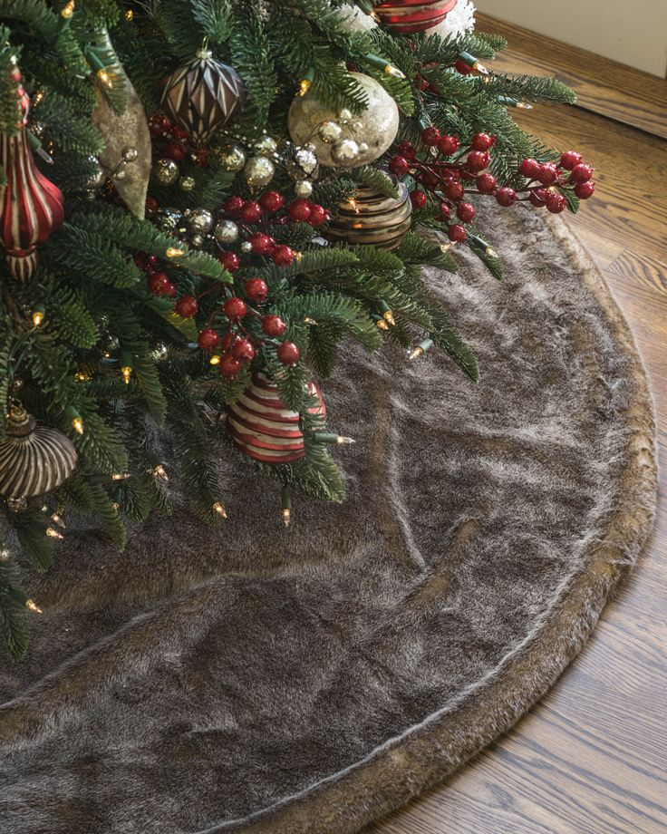 Lodge Faux Fur Tree Skirt | Balsam Hill