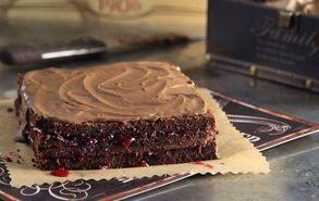 Recipe thumb akis petretzikis cake sokolatas xoris aleyri