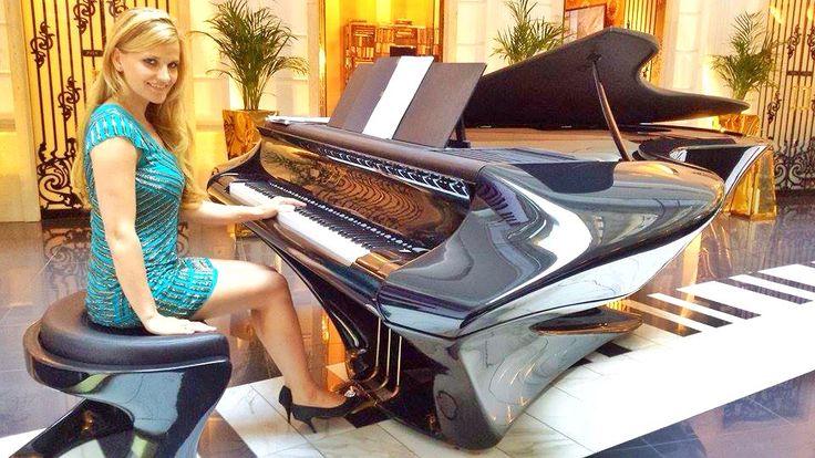 "The new hungarian piano ""Boganyi"""