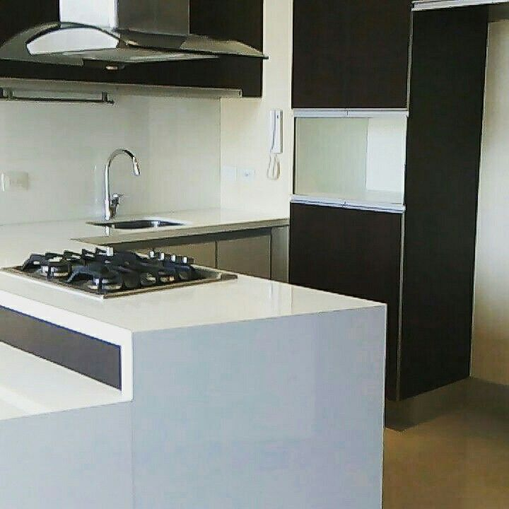 Cocina remodelada  en un apartamento en el chico Bogotá  Colombia