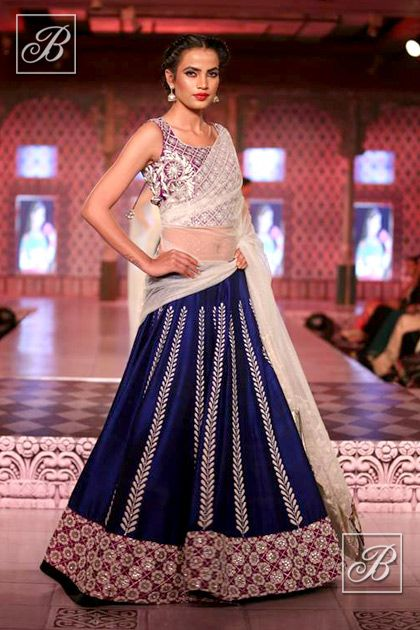 Blue Lehenga #lehenga #choli #indian #hp #shaadi #bridal #fashion #style #desi #designer #blouse #wedding #gorgeous #beautiful