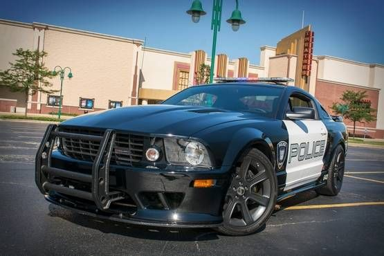 2005 #Ford Mustang Saleen transforms into Barricade