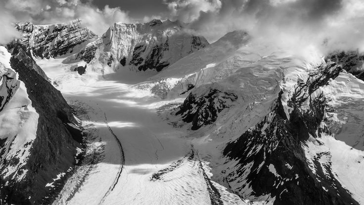 Near Avalanche Spire (2,905m) by Tom Stoncel on 500px