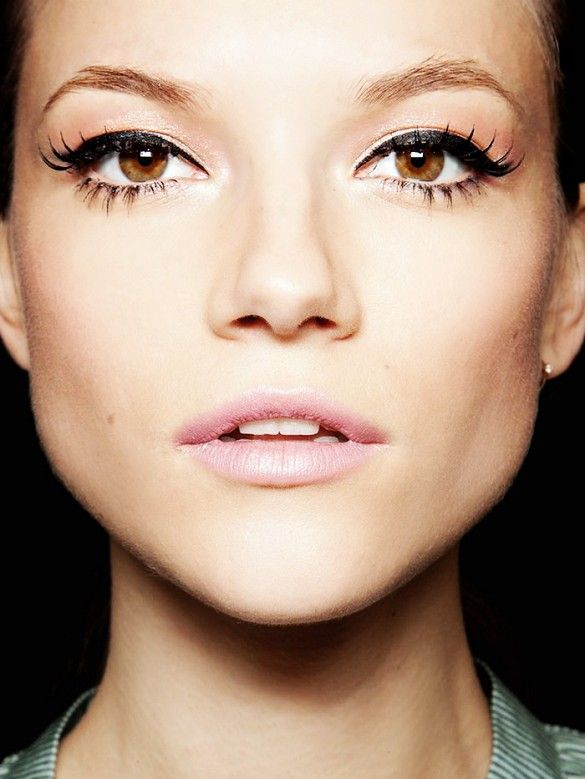 Winged liner + flirty lashes + soft pinks lips