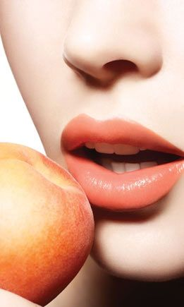 NARS Satin Lip Pencil COLOR Isola Bella - peach beige - badly want this !!!!