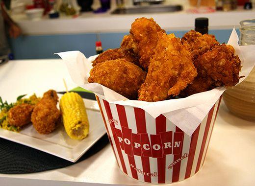 Repaginando receitas de grandes mestres da TV: Frango Frito Crocante - Tipo KFC