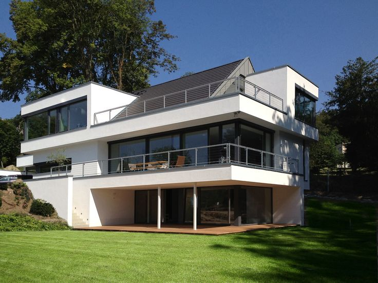 Bauhaus mit satteldach h user pinterest villas for Villa modern bauen