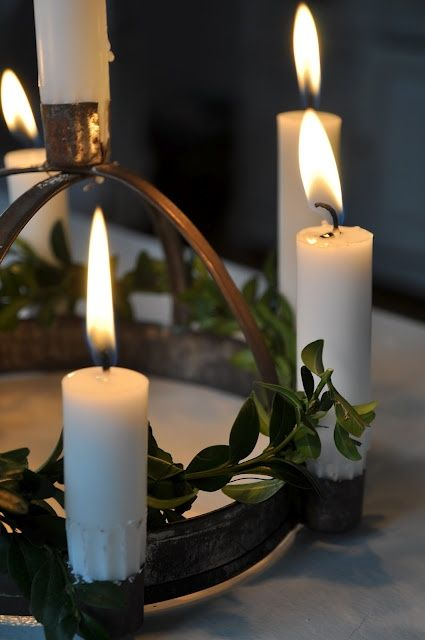 .: Candles Lighting, The Holidays, Candles Centerpieces, Tables Decoration, Winter Solstice, Advent Wreaths, Christmas Candlelight, Wax Lighting, Glow Candlelight