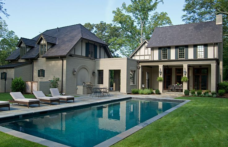 Renovation to old house in Atlanta with light weight clay tiles