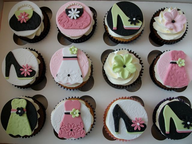 Fashion Cupcakes by Cakes-by-Louise, via Flickr