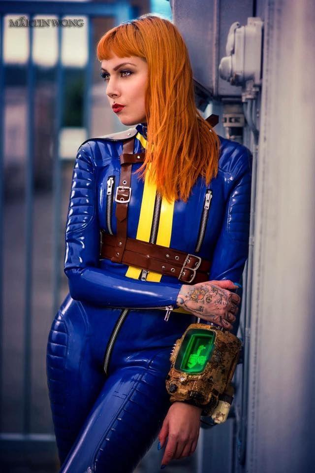 Psylocke | Vault Girl | latex cosplay