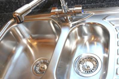 Secret Household Cleaning Tips. What a shiny sink!