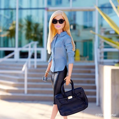 Heading into back-to-back meetings in style! ✔️ #barbie #barbiestyle