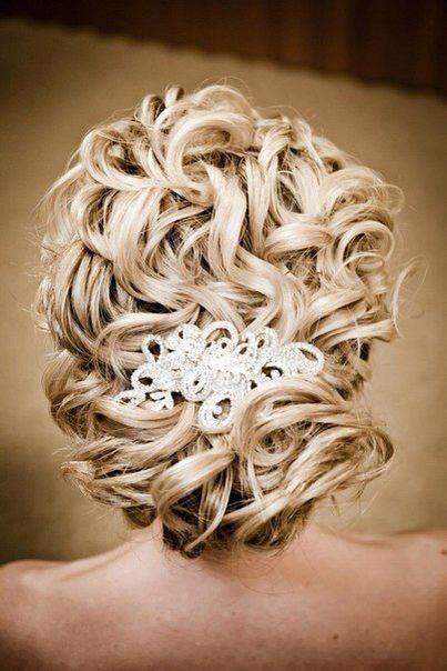 Красивая прическа с длинными волосами