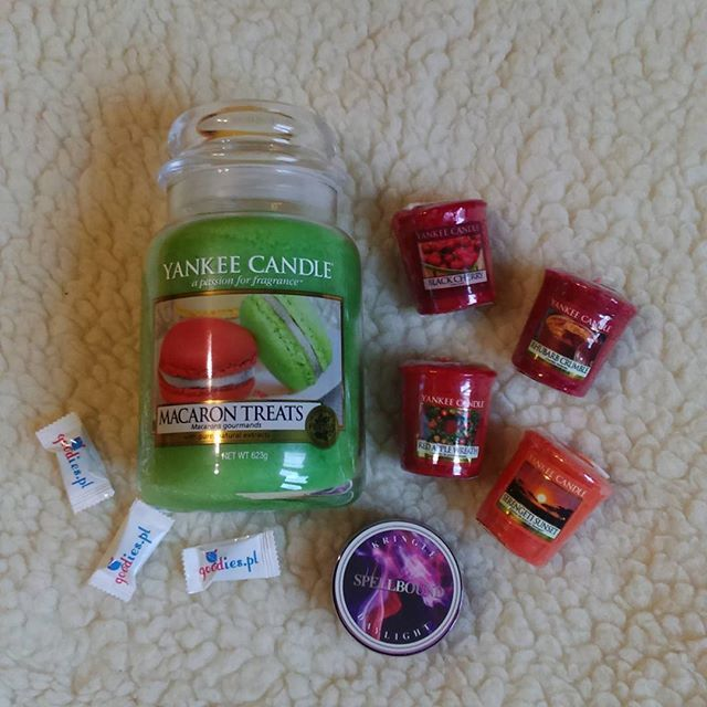 Yankee Candle Macaron Treats Kringle Spellbound Goodies