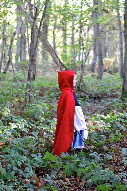 This video is magical! Little Red Riding Hood by oliveus.tv