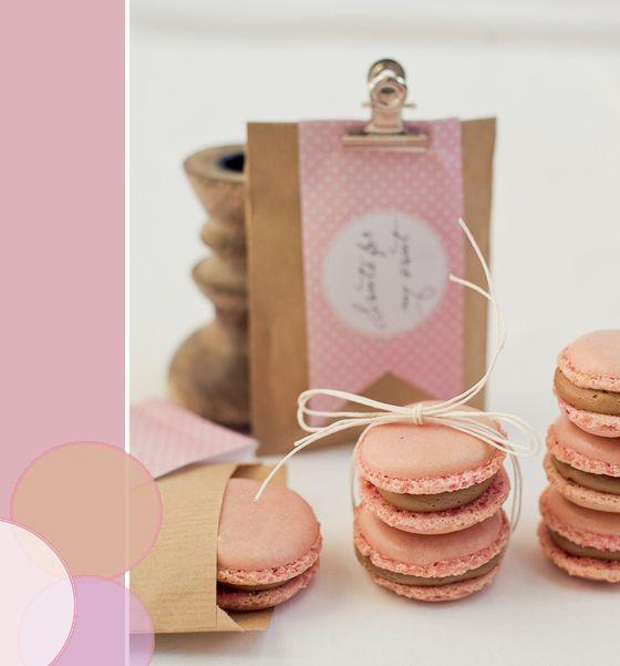 die besten 17 bilder zu verpackungen f r geschenke macarons auf pinterest geschenke. Black Bedroom Furniture Sets. Home Design Ideas