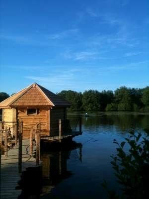 Les 25 meilleures images propos de cabanes en bois dans les arbres ou ailleurs sur - Cabane de jardin fait maison saint paul ...