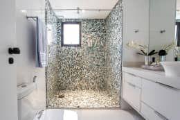 Apartamento Chácara Klabin (SP): Banheiros modernos por Amanda Pinheiro Design de interiores