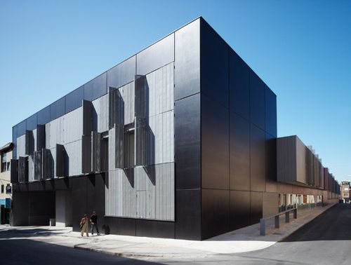 mmdm arquitectes — Apartments for older people with services attachments and public parking — Europaconcorsi