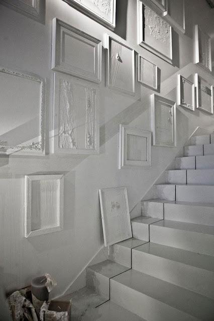 Plaster-covered frames at Arte Pura
