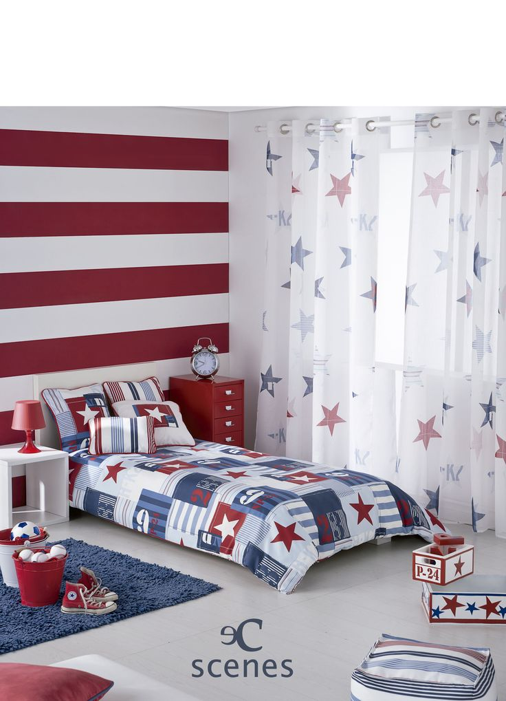 Habitación juvenil de inspiración americana con estrellas, números en colores azul y rojo. Tejido Austral de Scenes by Vanico