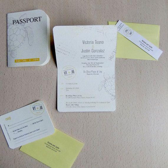 Ispirato da una destinazione di nozze, invito a nozze questo passaporto è perfetto per un nozze di spiaggia. La scheda esterna è dotata una tartaruga di mare con la sposa e dello sposo i nomi e data del matrimonio. La carta si apre per rivelare tutti i dettagli della giornata. Nascosto allinterno del booklet di passaporto è una carta rsvp coordinamento. I biglietti sono stampati su cartoncino cotone dando loro un aspetto naturale in difficoltà…