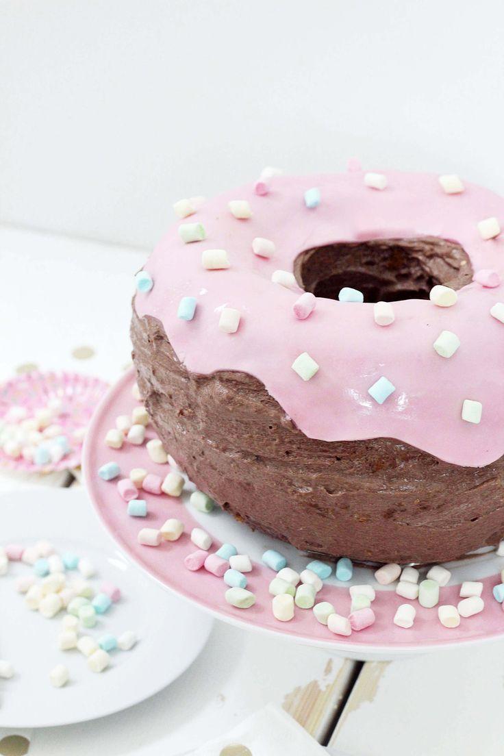 die besten 25 donut kuchen ideen auf pinterest donut. Black Bedroom Furniture Sets. Home Design Ideas
