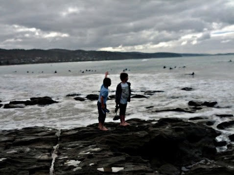 photos from weekend at Lorne - wave cut platform - boys adventure