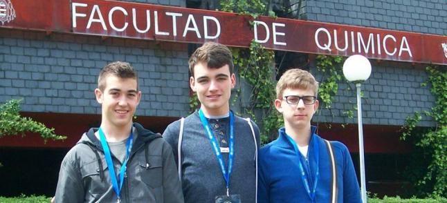 Dos cartageneros y un aguileño triunfan en la Olimpiada de Química http://www.laopiniondemurcia.es/cartagena/2014/05/09/cartageneros-aguileno-triunfan-olimpiada-quimica/557723.html?utm_source=rss