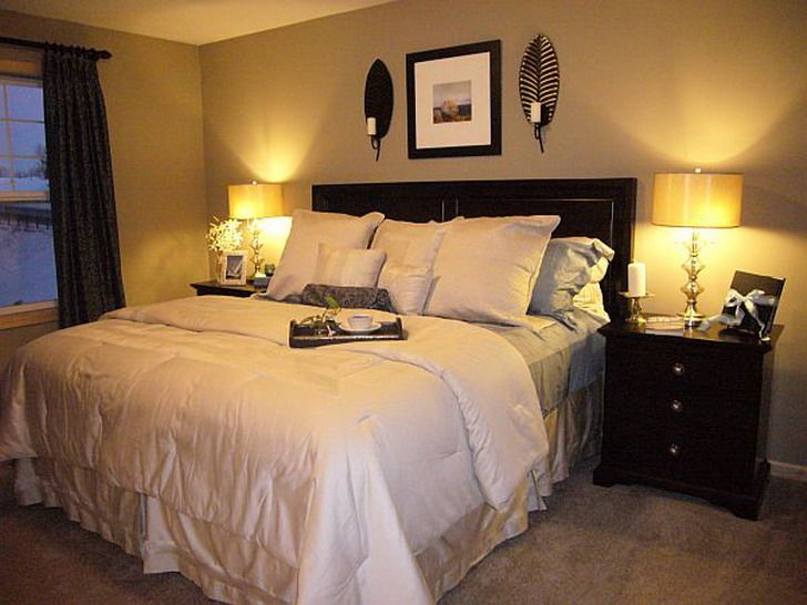 Rustic master bedroom decorating ideas images of master for Bedroom designs with wallpaper