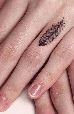 Feather tattoo                                                                                                                                                      Más