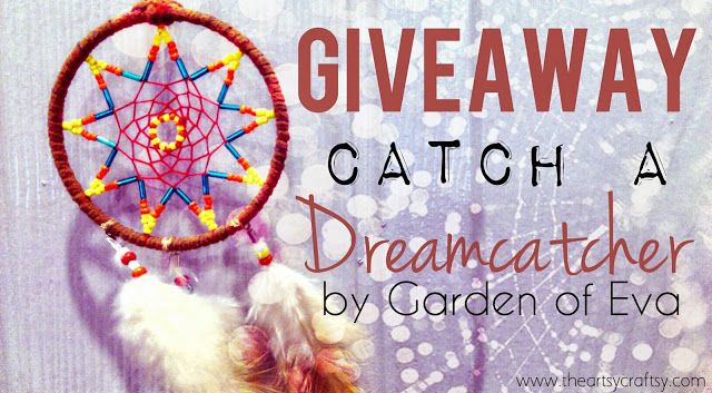 Xmas giveaway at The Artsy Craftsy. Catch a dream with dreamcatchers