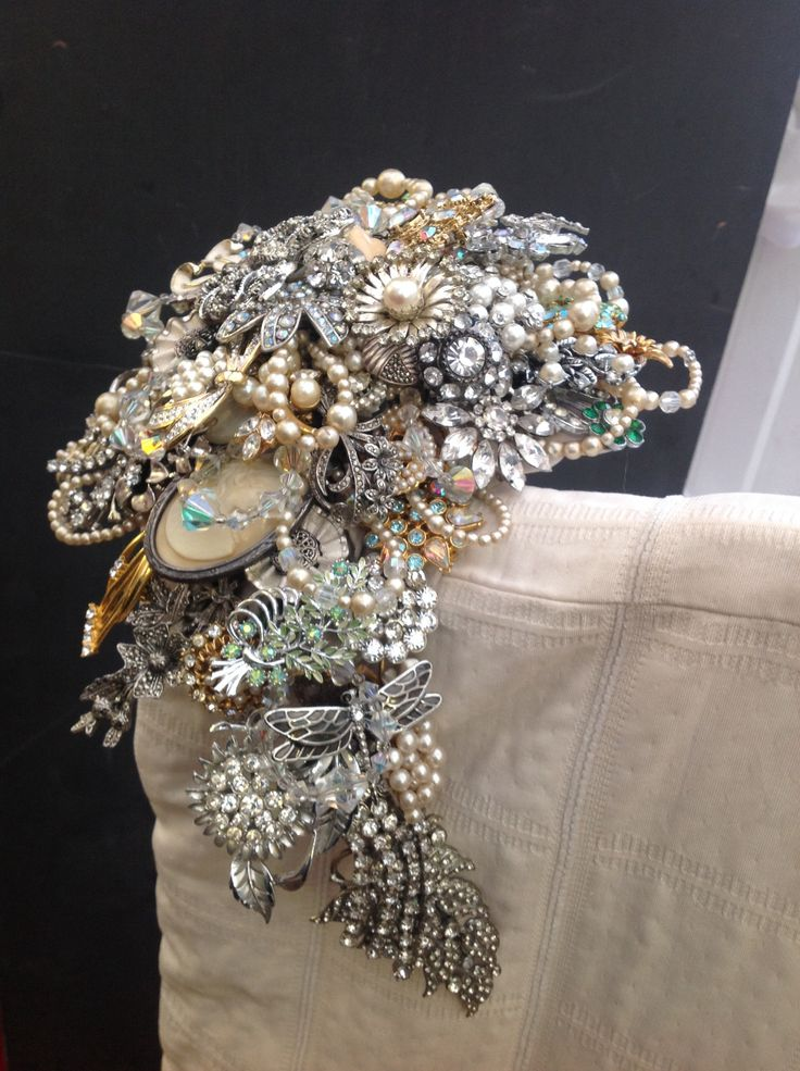 1000 images about alternative buttonholes and bouquets on for Crescent bouquet