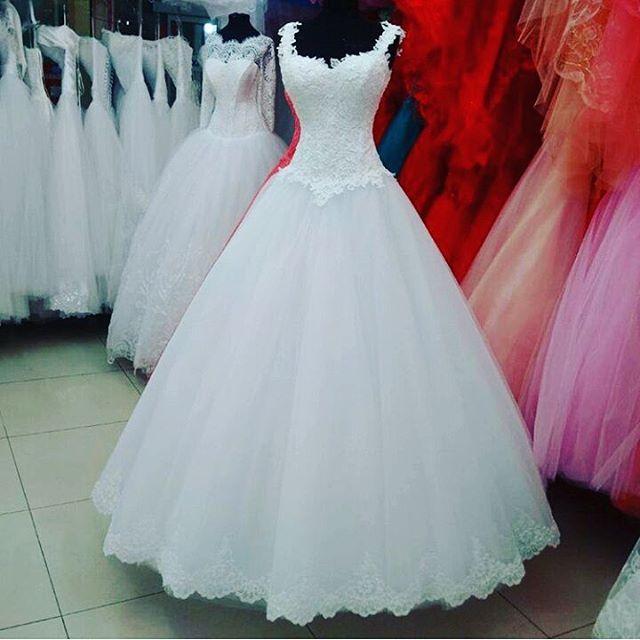 #gelin #gelinlik #beygelin #toy #wedding #weddingbaku #fashion #fashionbaku #baku #weddingfashion #moda #modabaku #gelingram #gelinbey #aztagram #swag #düğün #toy #marka #baki #moda #evlilik #свадьба #салон #салонсвадебный #свадебноеплатье #gelinlikler #gelinevi #butik #gelinlikler #fashions #fashionshow #podyum http://turkrazzi.com/ipost/1524778506087802645/?code=BUpGfkAg6cV