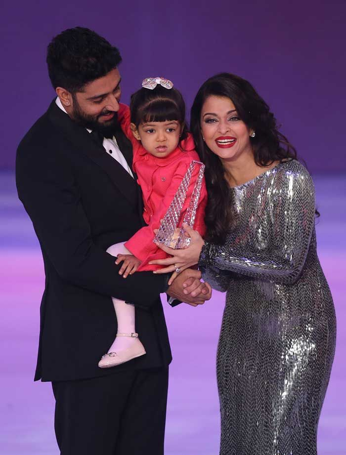 Toddler Aaradhya Bachchan plays with cousin brother Vihaa