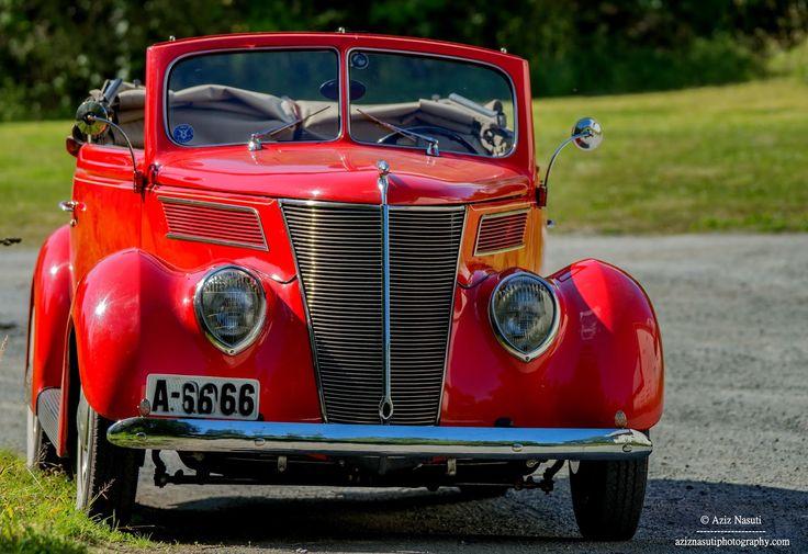 Aziz Nasuti Blog: Beautiful old Ford!