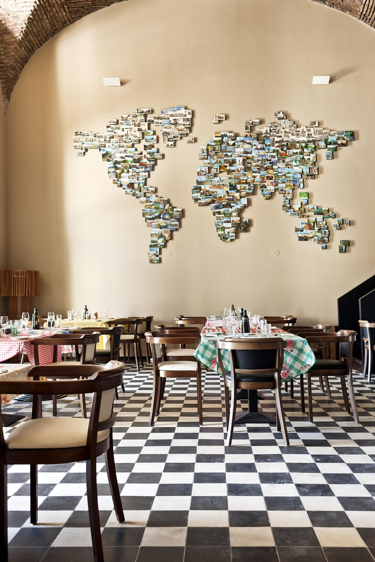 Restaurant Terreiro do Paço - Lisboa #photowall #worldmap
