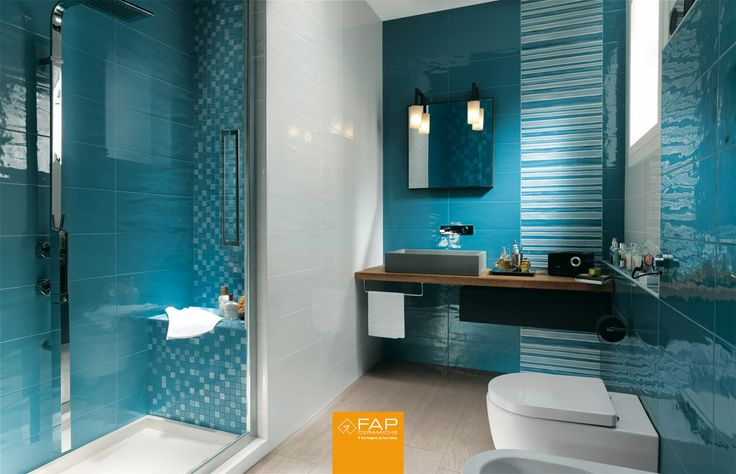 Avio Effect. Shades of #blue and #white blend together on the walls of this #bathroom create a subtly nuanced effect. #Havana #tiles by #FAPceramiche