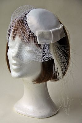Ozmonda Hat - wedding headdress #Ozmonda #kalap #esküvő #hat #wedding #coctail