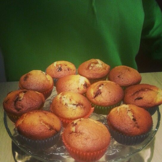 Muffins with chocolate and orange