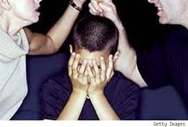 El maltrato físico o verbal en la pareja es un asunto q afecta a toda una familia.