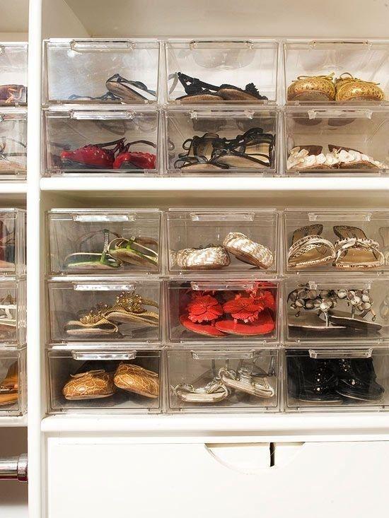 Use caixas de sapato transparentes para guardar seus preciosos calçados.