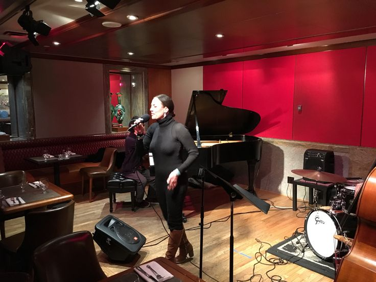 ***Singing at the Jam Session at the KITANO Jazzclub NYC...great musicians, great fun!