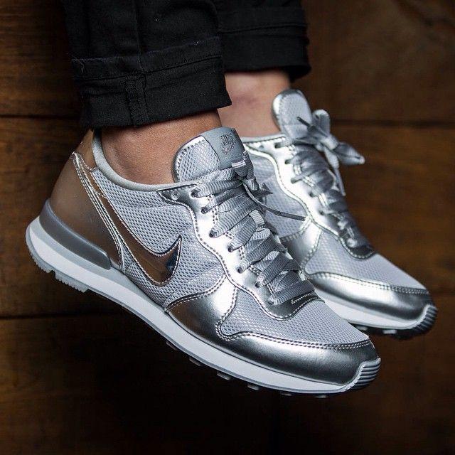 Nike WMNS Internationalist PRM (silber / grau) - 43einhalb Sneaker Store Fulda