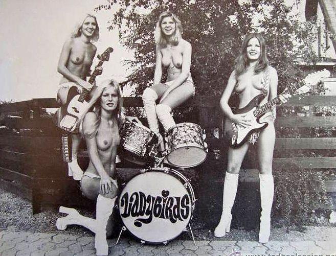 women in rock bands nude