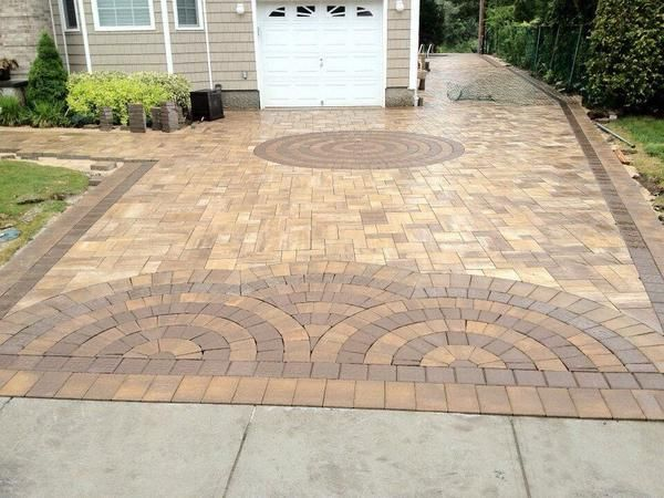 This beautiful driveway pattern was created by Park Place ...