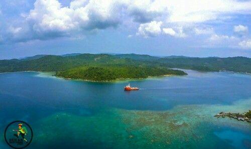 Matak island [] http://bukanrastaman.com/2015/09/24/mengenal-pulau-matak-gugusan-kepulauan-anambas-di-ujung-negeri/