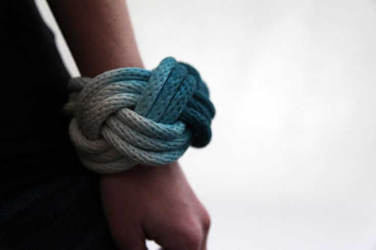 Dipped rope knot bracelet -molly